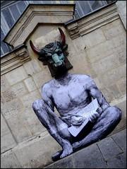 Le Minotaure vu par Levalet (Chrixcel) Tags: streetart paris collage minotaure levalet