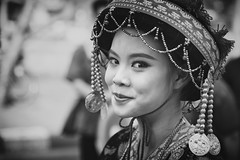 Thai Girl (♥siebe ©) Tags: portrait flower girl smile festival thailand corso parade thai chiangmai portret flowerfestival bloemencorso 2015 เชียงใหม่ ประเทศไทย ไทย สวย เมืองไทย ผู้หญิง หญิงสาว
