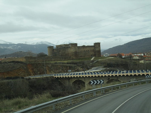 MARCHA-371-los-pueblos-abandonados-valle-de-aravalle-avila-senderismo (34)