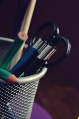 . (niebanalna) Tags: white pen nikon basket biel ołówek koszyk kredki d3200 nożyczki mazaki długopisy dłgopis