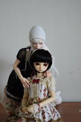 Tsuji and Nadeko () Tags: sd lolita bjd superdollfie volks sd10 megu candyland sdg tsuji dollmore leekeworld  vanillamousse zaoll nadeko chibirat3019  angelcherrycupcake anc2h