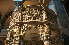 2016-05-13 05-28 Toskana 356 Pisa, Piazza dei Miracol, Duomo, Kanzel von Pisano (Allie_Caulfield) Tags: city italy tower del geotagged photo site high flickr torre foto image sommer sony picture center medieval historic hires pisa cc tuscany resolution jpg piazza duomo bild jpeg geo altstadt leaning stockphoto toskana a77 2016 pendente wunderwiese maiitalien