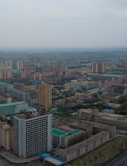 Vue de Pyongyang depuis la tour du Juche (jonathanung@ymail.com) Tags: tower lumix asia korea asie kp nord northkorea pyongyang core dprk cm1 koryo juche juchetower coredunord insidenorthkorea rpubliquepopulairedmocratiquedecore rpdc tourdujuche lumixcm1
