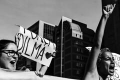 Mulheres Contra Temer, SP (Th. C. Photo) Tags: street blackandwhite bw woman photography avenida mulher protest streetphotography pb sp streetphoto rua mulheres paulo fotografia so pretoebranco contra ato paulista luta feminismo manifestao protesto fotografiaderua jamais temer dilma streetphotographysp ficadilma golpeno golpenuncamais