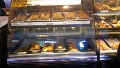 Porto's Bakery & Cafe (Burbank) (kndynt2099) Tags: cafe bakery portos