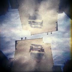 [Holga e le Sue Sorelle] (Urca) Tags: 120 6x6 film analog mediumformat holga lomo italia doubleexposure multiexposure doppiaesposizione 2016 isoladelba riomarina analogico holgalomo1201606110009