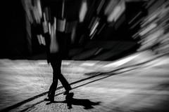 Jeux de jambes (Dan Bouteiller) Tags: street city urban blackandwhite bw white black blur streets monochrome japan canon eos japanese 50mm tokyo photo blackwhite noir noiretblanc ueno bokeh streetlife blurred streetscene monochromatic 50mm14 nb 5d canon5d crosswalk rue blanc japon ville flou japonais distorsion noirblanc streetshot nezu photoderue 5d2 5dmk2