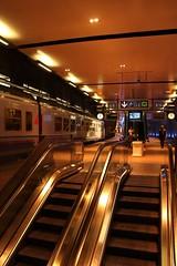 Antwerpen Station (Karl Van Loo) Tags: belgium belgi antwerp antwerpen trein