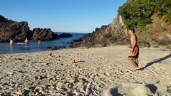 Foot sur belle plage parfait ! (Aurelien Da Costa) Tags: sun beach ball foot vacances soleil sable ballons plage
