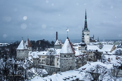 Winter in Tallin (pietkagab (on the road... in Peru)) Tags: tallin town old towers winter snow snowing architecture europe pietkagab piotrgaborek photography travel trip sightseeing adventure canon 450d
