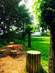 Un bel endroit pour une invitation  s'asseoir. Parc Mosac. (fourmi_7) Tags: poser invitation parc nord mosac parler couter sasseoir