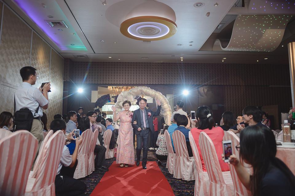 婚禮攝影-台南情定婚宴城堡永康館-39