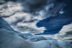 Walk on Perito Moreno Glacier (Priscila de Cássia) Tags: blue wild sky patagonia naturaleza cold ice nature argentina nikon natureza grain perspective glacier wilderness lands peritomoreno glaciar hdr naturephotography wildli nikond90