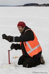 29-IceFishing3 copy (Beverly Houwing) Tags: fish snow suomi frozen hole lapland kukkola drill icefishing kukkolankoski tornioriver