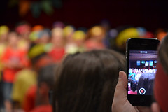 Photo concert (boutot) Tags: show people music children concert phone many telephone choral focal boutot