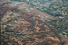 2016_06_02_lax-ewr_540 (dsearls) Tags: monument flying colorado desert plateau aviation united sightseeing canyon aerial coloradoriver agriculture ual arid unitedairlines windowseat windowshot themonument coloradonationalmonument monumentcanyon laxewr 20160602