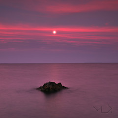 ... the killing moon !!! (Device66) Tags: moon night nikon purple device altea tones