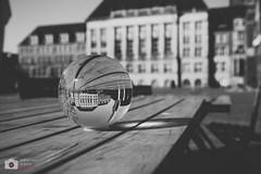 Stadt in der Kugel (Sebastian..S) Tags: street canon eos stadt sw tisch kiel kugel 6d