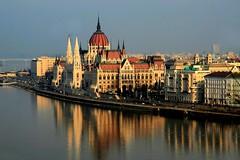 HUNG01 (Ismael I) Tags: water rio arquitectura agua budapest edificio ciudad hungria reflejos parlamento danubio