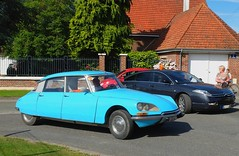 CITROEN DS et C6 (xavnco2) Tags: blue france classic cars car french ds citron autos fte c6 bleue picardie somme 2016 anciens rassemblement vhicules dompierrebecquincourt auyomobile