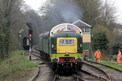 Alycidon Arrives (jalapenokitten) Tags: diesel unitedkingdom railway hampshire locomotive alton gbr deltic midhantsrailway class55 d9009 55009
