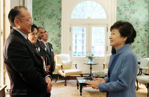 Korea_President_Park_WorldBank_20130507_01