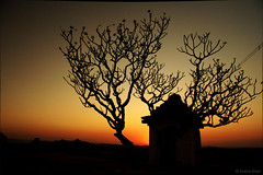 Sundowning! (kosha) Tags: sunset india canon temple silhouettes hampi karna