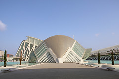 Valencia - City of Arts and Sciences 73 (Romeodesign) Tags: bridge santiago cinema eye valencia museum architecture modern spain geometry curves under perspective front symmetry calatrava dome planetarium brcke hdr imax brdige ciudaddelasartesylasciencias lhemisfric flixcandela cityofartsandsciences 550d elmuseudelescinciesprncipefelipe puentedemonteolivet