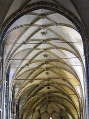 Prague (★ iolo ★) Tags: church iso800 prague praha cathédrale républiquetchèque §§ saintguy f49 ¹⁄₆₀s canonpowershots90 6225mm lrrouge