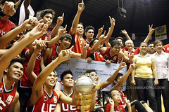FilOil 2013 Finals: UE Red Warriors vs. NU Bulldogs (inboundpass) Tags: filoilflyingv ueredwarriors nubulldogs filoilflyingvpreseasontournament