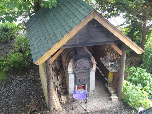 オプションで石窯焼きのピザ作り体験|三部牧場ハルニレのツリーハウス