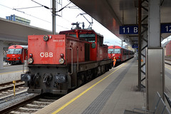 1063 011-9, Linz Hbf (Howard_Pulling) Tags: camera station train linz austria photo nikon foto gare photos zug bahnhof trains fotos bahn austrian obb 2013 bahns linzhbf howardpulling d5100