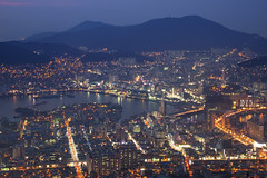 Mount Bongrae (- MH -) Tags: night lights harbor asia korea busan southkorea pusan  bongraesan