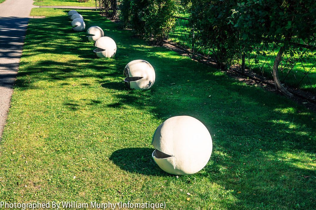 The Chattering Classes By Sandra McCowen - Sculpture In Context 2013 In The Botanic Gardens