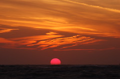 Here comes the sun (Kirkleyjohn) Tags: sea sky sun sunrise dawn suffolk day cloudy daybreak lowestoft kirkley