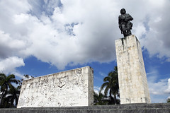 CubaMausoleeChe_20141231_014 (bourjean29) Tags: canon cuba ile revolution canon5d che cheguevara fidelcastro caraibes mausolee cespedes jeanbourgeois