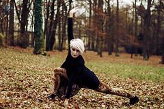 Sein (IV) (nash_garden) Tags: autumn ballet color colour photography model fotografie outdoor herbst dancer modelo blonde rubia otoo fotografia farbe emotive bailarina exteriores localizacion tanzerin blondine emotivo emotiv locarion color