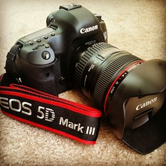 Canon 5D Mark III with f/4 24-105 L IS USM kit