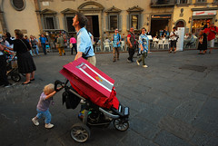 *** (Boris Rozenberg) Tags: life street city red italy color childhood kids digital work shopping photography parents photo florence kid child snapshot working streetphotography sigma snap daily moment situation hardwork decisivemoment sigma1020