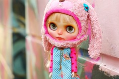 Bambi at the playground ( Ale K ) Tags: pink japan toy miniature doll pastel chips kawaii blythe customblythe faceup miema