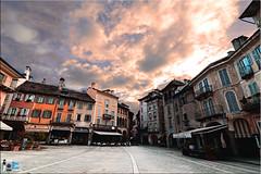 Piazza Mercato (mrpistons (Giuliano)) Tags: domodossola vco ossola piazza mercato italia borgo borghi medio evo italy north place italian