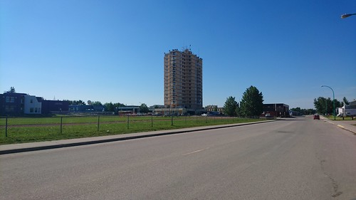 The High Rise in Hay River 02