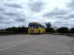 NEKRTC Suhasa Resting near Shirdi Bus Stand (gouravshinde94) Tags: msrtc nekrtc suhasa bus shirdi hospet nature rain sky
