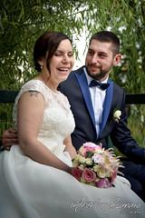 Relaxing laugh (Alberto Cassandro) Tags: wedding friends love bride nikon sigma happiness weddingparty weddingday weddingphotography sigmalenses nikond810 sigmaart sigma35mmart