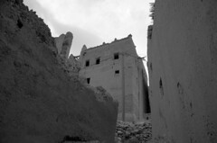 Todra Gorge village (marianovsky) Tags: bw casa village oasis morocco marruecos kasbah todra marianovsky