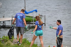 CUNA Mutual Volunteer Day 2016 (Clean Lakes Alliance) Tags: lake wisconsin group lakes madison volunteer mendota madisonwisconsin lakemendota mutual cuna springharbor cleanlakesalliance renewtheblue