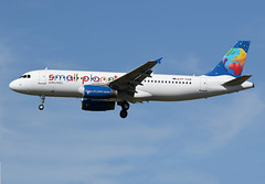 3 juillet 2016 - SMALL  PLANET  AIRLINES  POLAND - Airbus  A 320  (SP-HAB) - LFBO - TLS (gimbellet) Tags: canon airplane airport nikon aircraft aviation airplanes transport aeroplane transportation airbus a380 boeing toulouse aeroport blagnac a330 spotting tls a340 a320 avions atr spotter aeronautique a350 toulouseblagnac lfbo