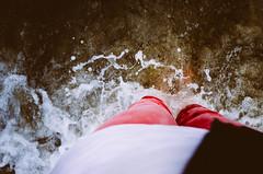nass (ChristinaWieck) Tags: rot wasser ostsee unten wellen nass spritzen fse
