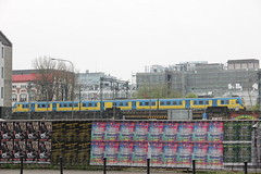 PR EN57AL-1602 , Wrocaw Gwny train statino 04.05.2013 (szogun000) Tags: railroad station electric set train canon tren poland polska rail railway commuter emu pr passenger trem treno ezt regio wrocaw pkp pocig  lowersilesia dolnolskie dolnylsk en57 wrocawgwny przewozyregionalne canoneos550d canonefs18135mmf3556is d29271 d29132 en57al d29276 d29273 en57al1602 d29285 d29763