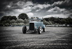 Classic Car Show - Greenham Common (Saving Private Emily) Tags: show england hot cold classic car war unitedkingdom rod local common bunkers greenham